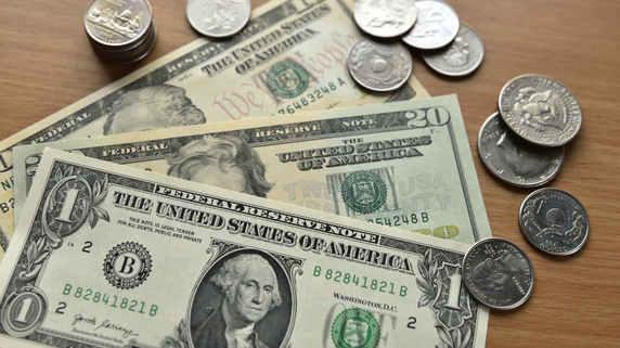 為替は「リスク選好のドル売り」…米ドル円はGWに急落リスク