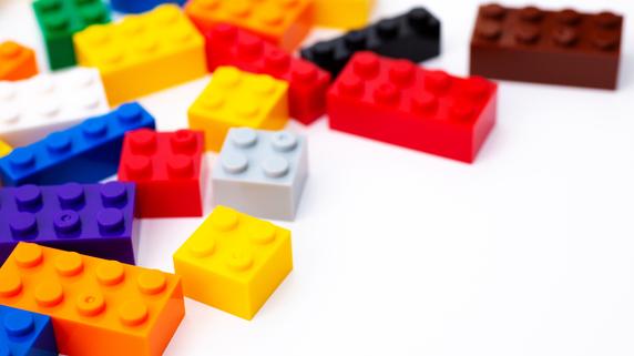 1文字変えるだけ…記号を考える力が高まる「だんだんパズル」