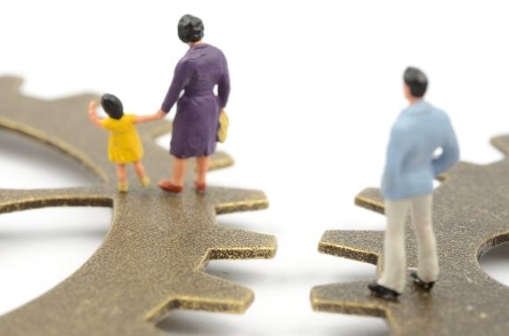「母と私がどれだけ苦労したと」…父亡き後、腹違いの姉が逆襲