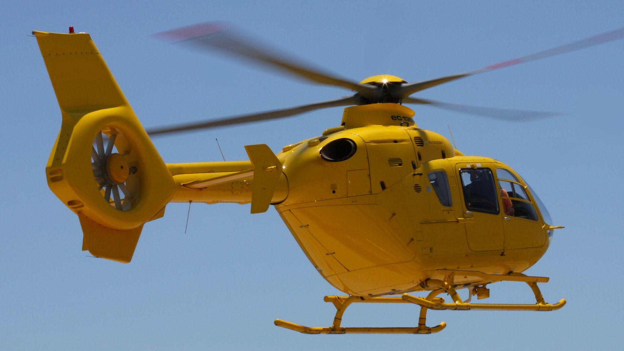 一般人がヘリコプターを運転しようとすると、何円かかるのか?