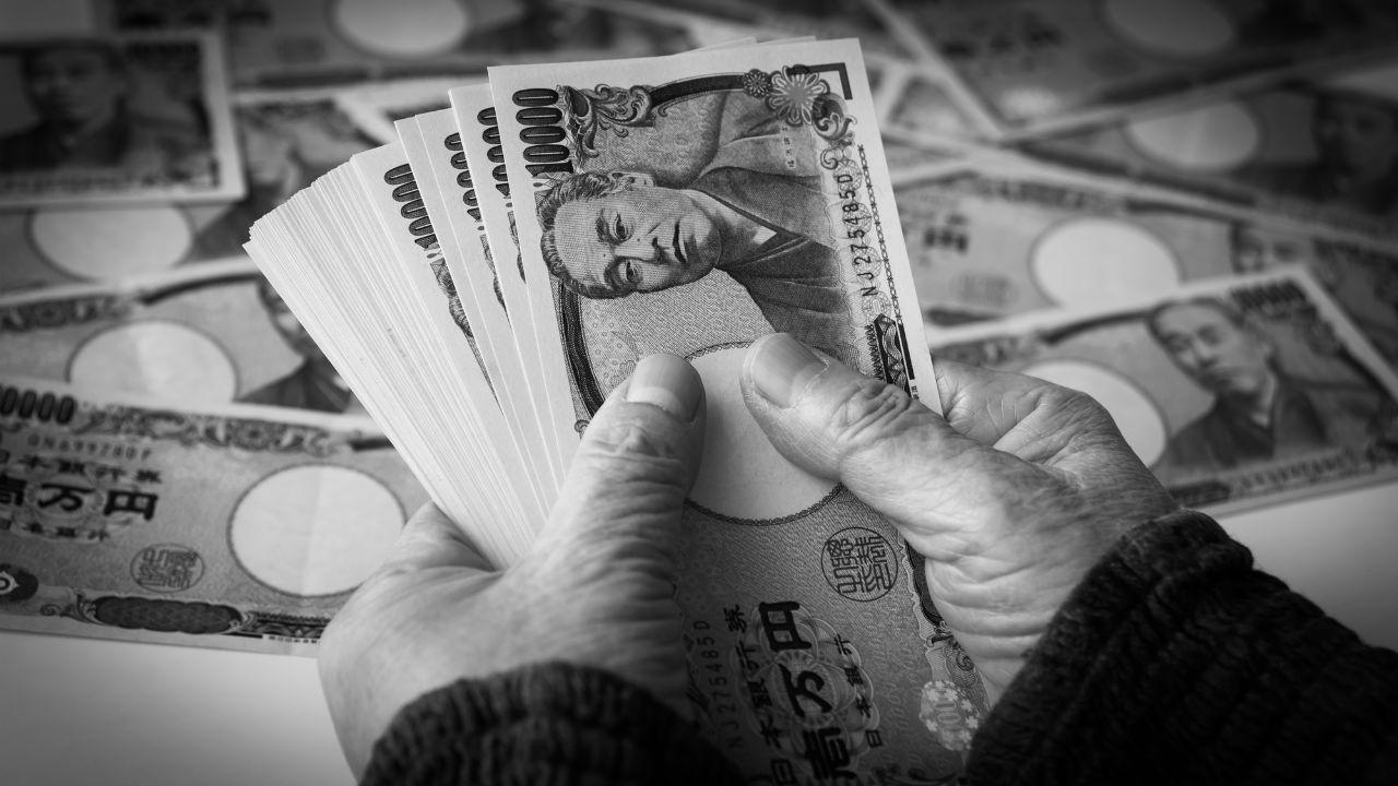 「月435万円」老人絶句の負債総額。息子に見放された結果…