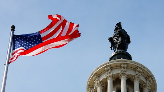 バイデン政権が「大きな政府」に舵を切るしかない3つの要因