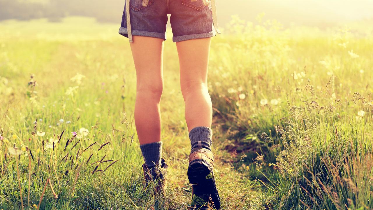 初期の変形性膝関節症に効果あり!? 「母趾球歩き」