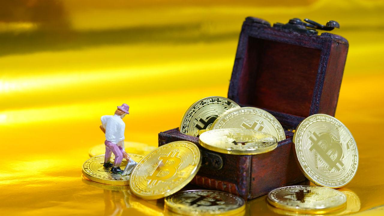 ネットワーク上から仮想通貨を採掘する「マイニング」とは?