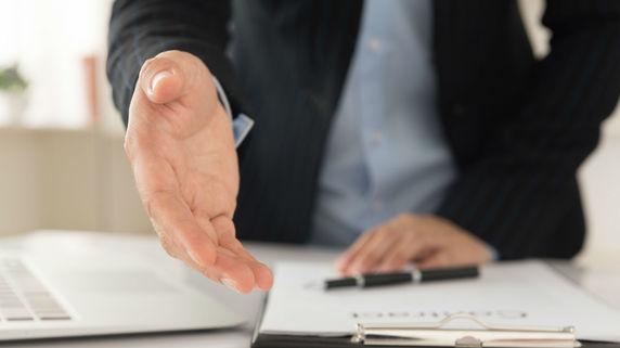 資産運用型保険が「限られた代理店」だけで販売される理由