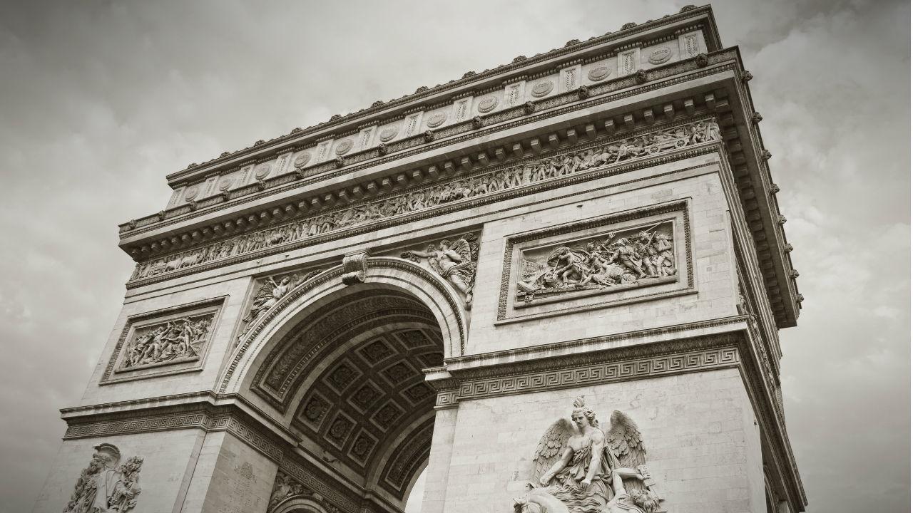 ダ・ヴィンチは職人? フランスが生んだ「芸術家」という概念