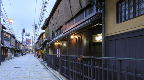なぜ京都は東京に比べて「住宅の供給戸数」が少ないのか?