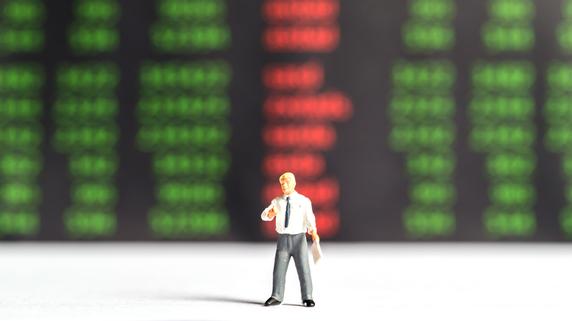 株価のトレンドを判断する鍵「ダイバージェンス」とは?