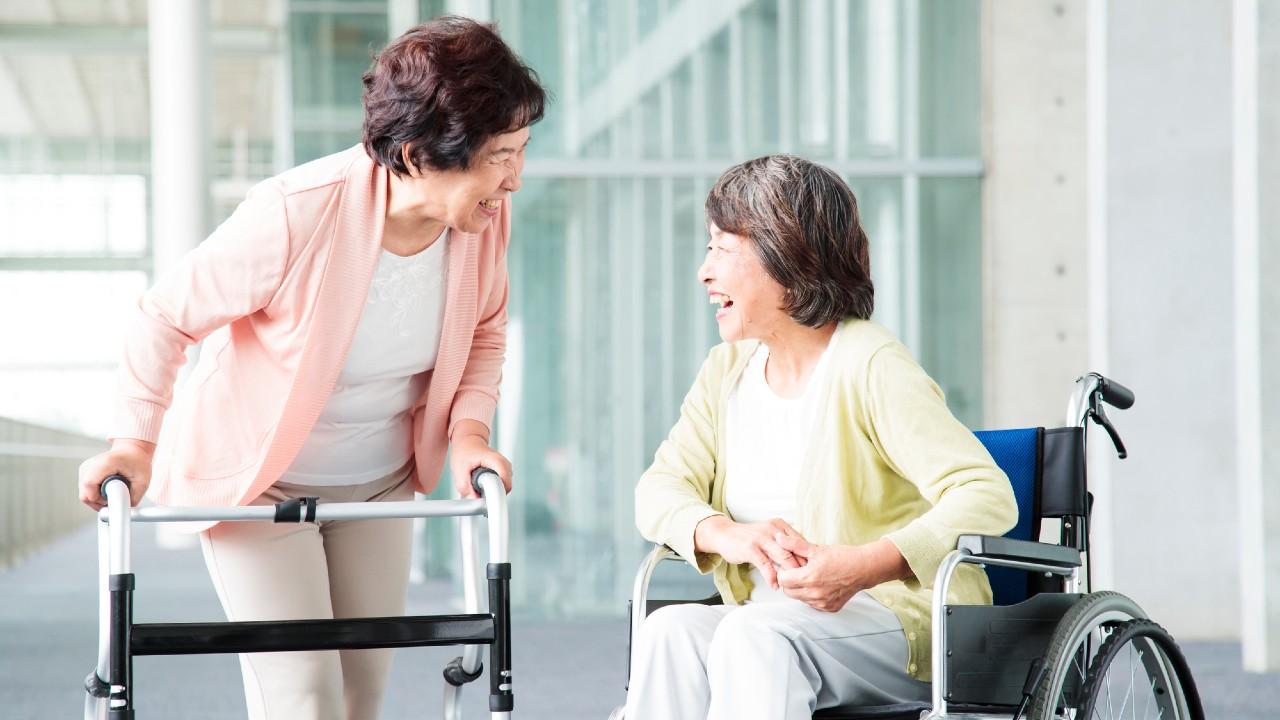 多くの老人ホームで「質の悪い介護職員」が急増しているワケ