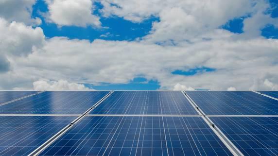 手間なく、小額から投資可能な「太陽光発電ファンド」の魅力
