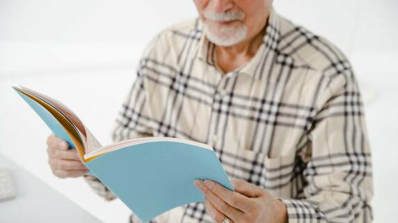 78歳男性、10年も音信不通の二男には遺産を相続したくない…司法書士による解決策