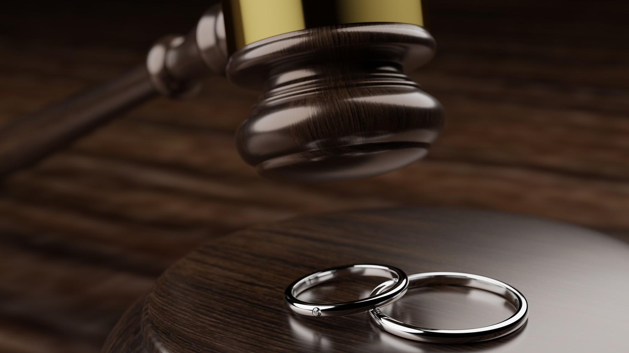 経営者、結婚生活に限界…離婚妻(夫)から会社は守れるか?
