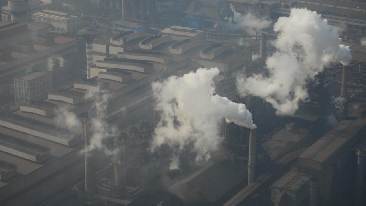 中国経済「新常態」への移行のカギを握る、過剰生産能力の解消