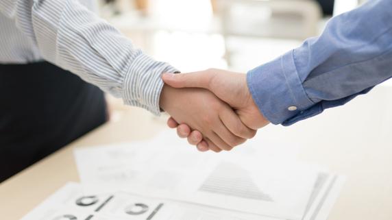相談相手として選びたい「依頼者に優しい」税理士とは?