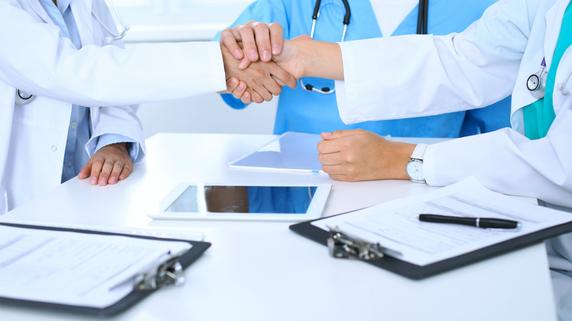 「医師の身体と心が壊れる」自宅で使える医療機器が増えたが…