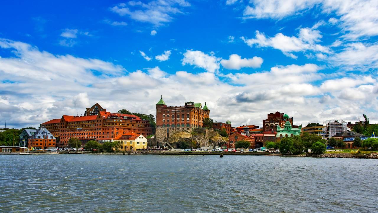 スウェーデン中央銀行、タカ派姿勢を維持も若干弱気に傾くか