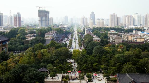 チャンスに乗り遅れまいとする中国の各地方政府