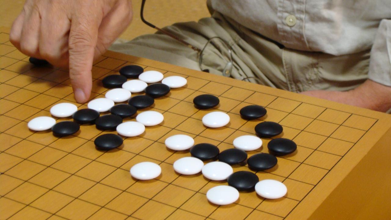 「囲碁の基本」が身につくパズル…テクニカルな1問に挑戦
