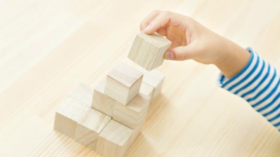 幼児期に学ばせたい基礎教育の「5つの領域」とは?