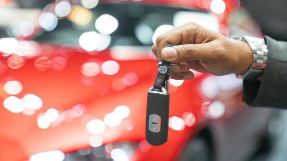 「自動車を買って節税」は、中小企業の税金対策として正解か?