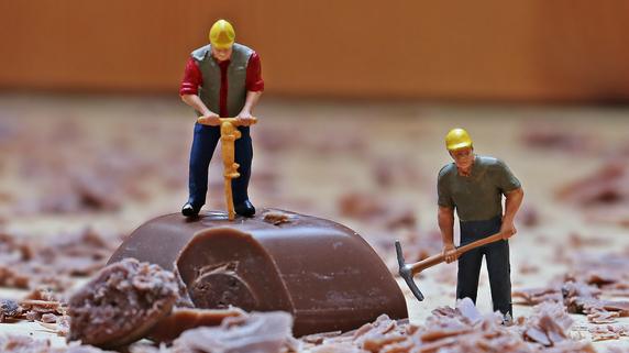 ビットコインの新規発行をもたらす「マイニング(採掘)」とは?