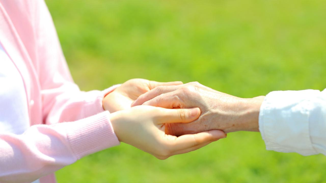 お弁当を自宅に配達・・・高齢者を支援する介護施設の取り組み