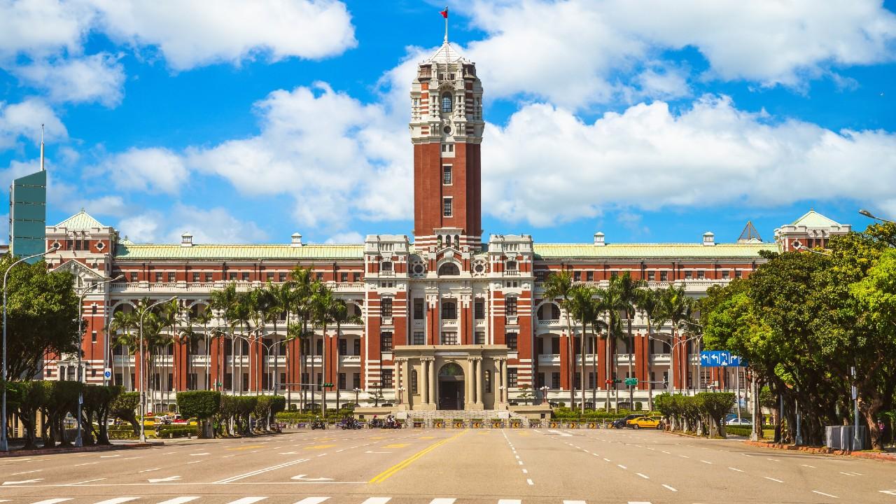 コロナ対策成功「オープン・ガバメント」の台湾と日本の違い