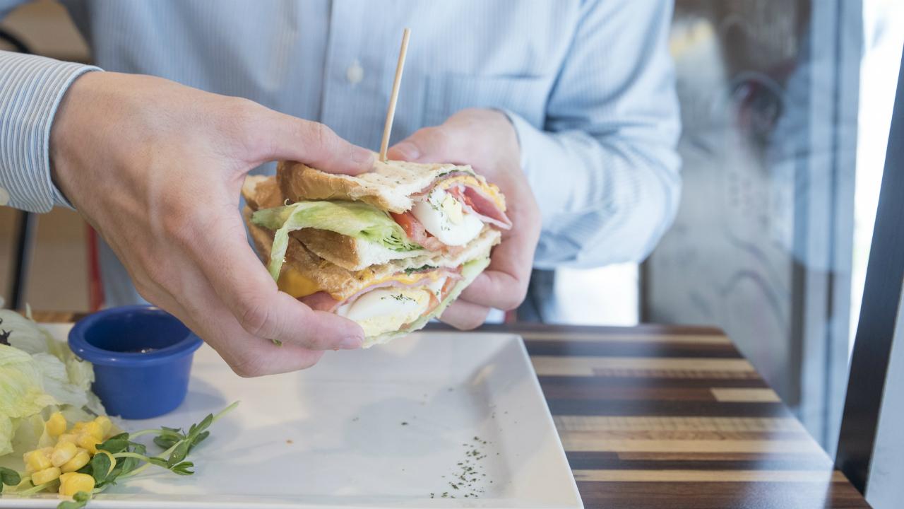 サラリーマンの平均570円…毎日の昼食代を大幅に節約するコツ