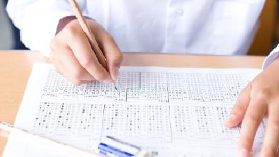 定期テスト、能力別クラス…「日本の学校教育」が抱える問題点