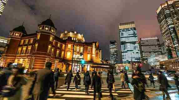 平均手取り「28万円」の悲惨…オリンピックに湧く日本が「間もなく迎える辛い現実」