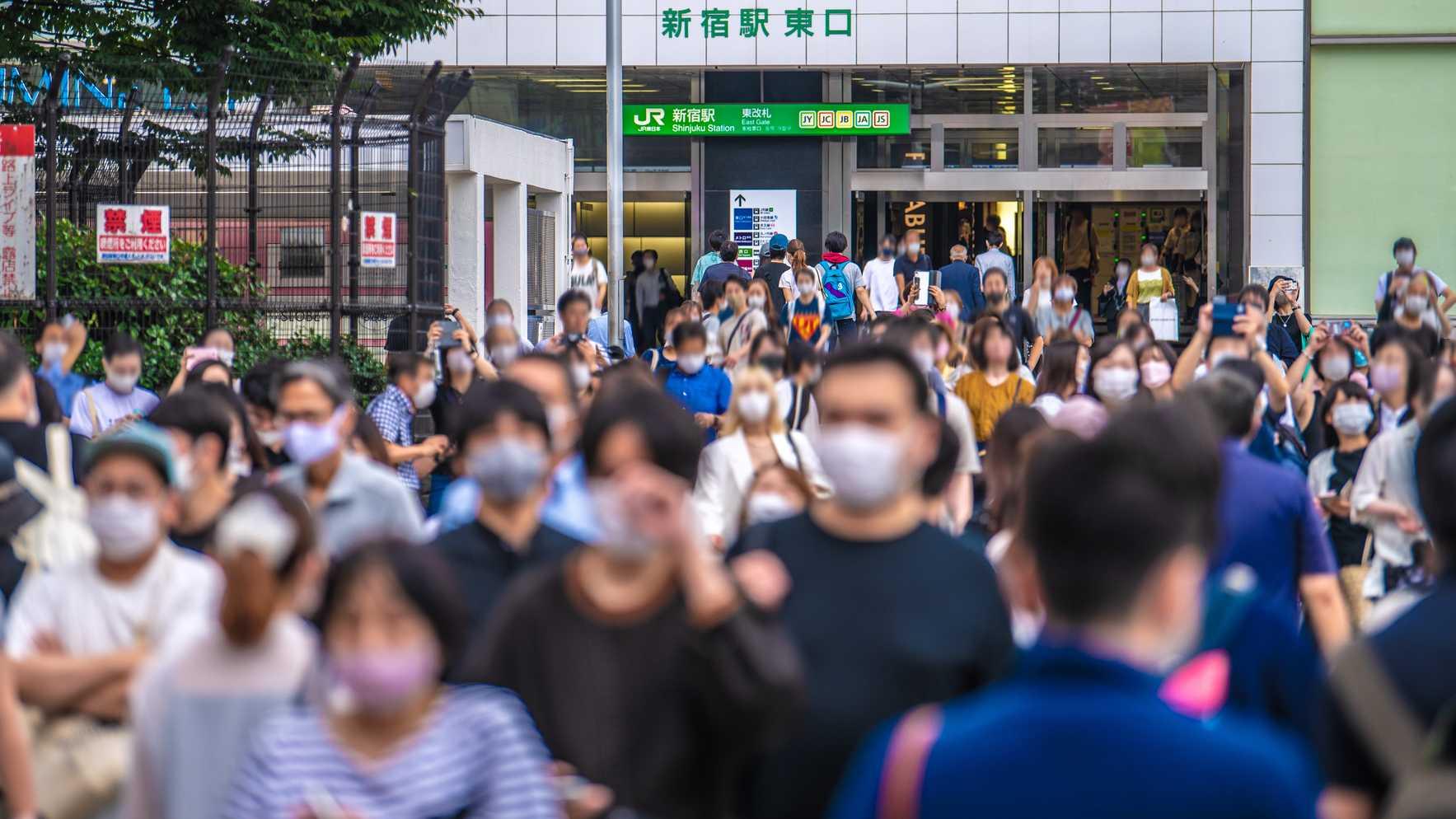 他国より低い「お給料」…緊急事態宣言下で「どうにか働く日本人」の悲劇