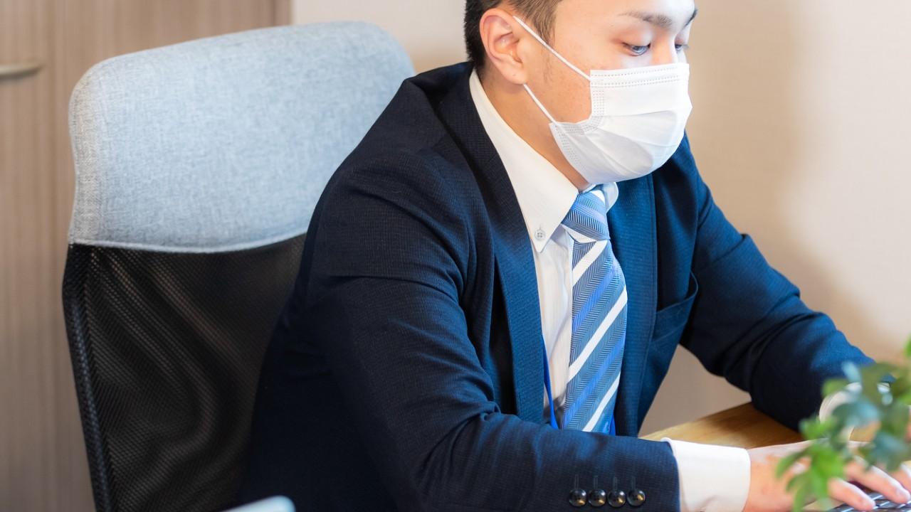 手取りは40万円台…日本の「課長・部長」生活きびしい貯金額