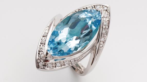 宝石の価値を決める「色の濃淡/姿と輝き」による分類