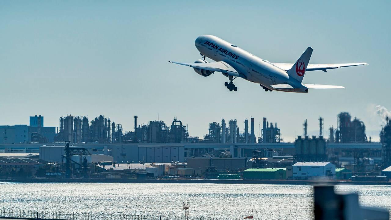 「飛行機が怖い人・日本を経済大国だと思う人」に納得の共通点