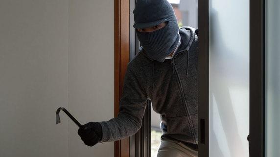 空き家を放置することで生じる「窃盗リスク」という問題