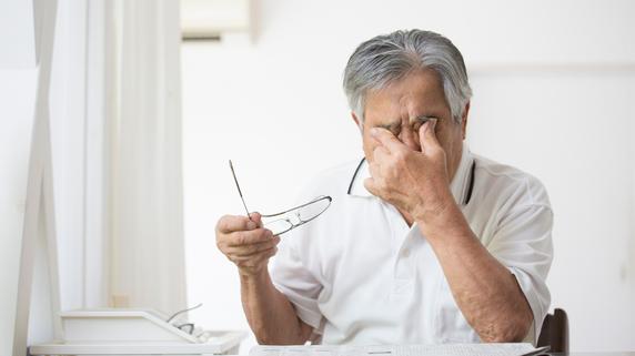 手術後、大後悔…白内障手術でよくある「眼内レンズ」トラブル