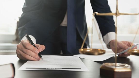 交通事故裁判の真実…保険会社と裁判所の「癒着」はあるのか?