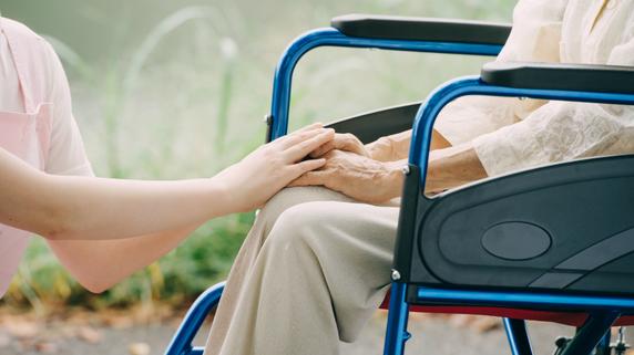 施設・事業所の統合も・・・大規模化が進む介護・福祉業界の展望