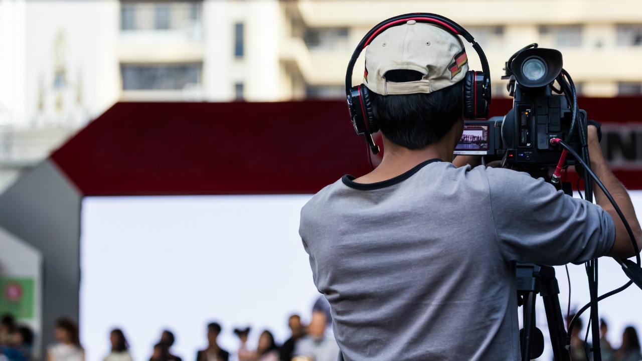 迫る5G、動画広告磨く 動画制作会社の超割安株は、コレだ!