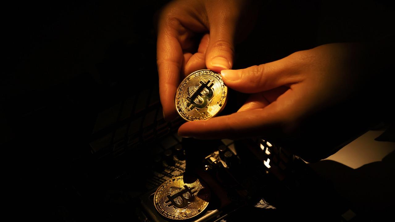 エルサルバドル、ビットコインを仮想の世界から法定通貨へ?