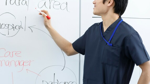 医師になる裏道?同級生の約7割が消える「超穴場」医学部の謎