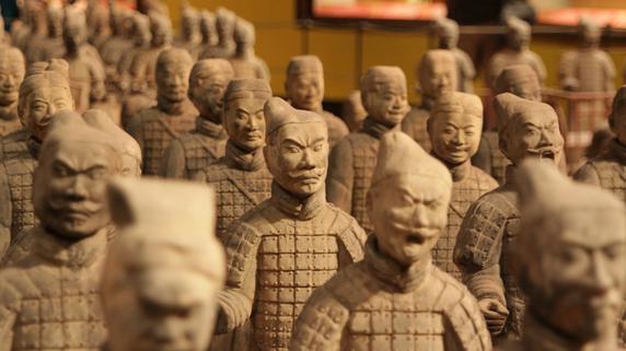 勢いを増す人民元預金、上海では金の建値設定導入か?