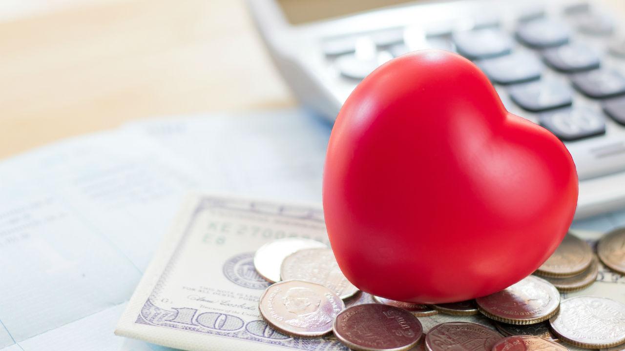 借金のほうが多く相続放棄・・・「死亡保険金」は受け取り可能?