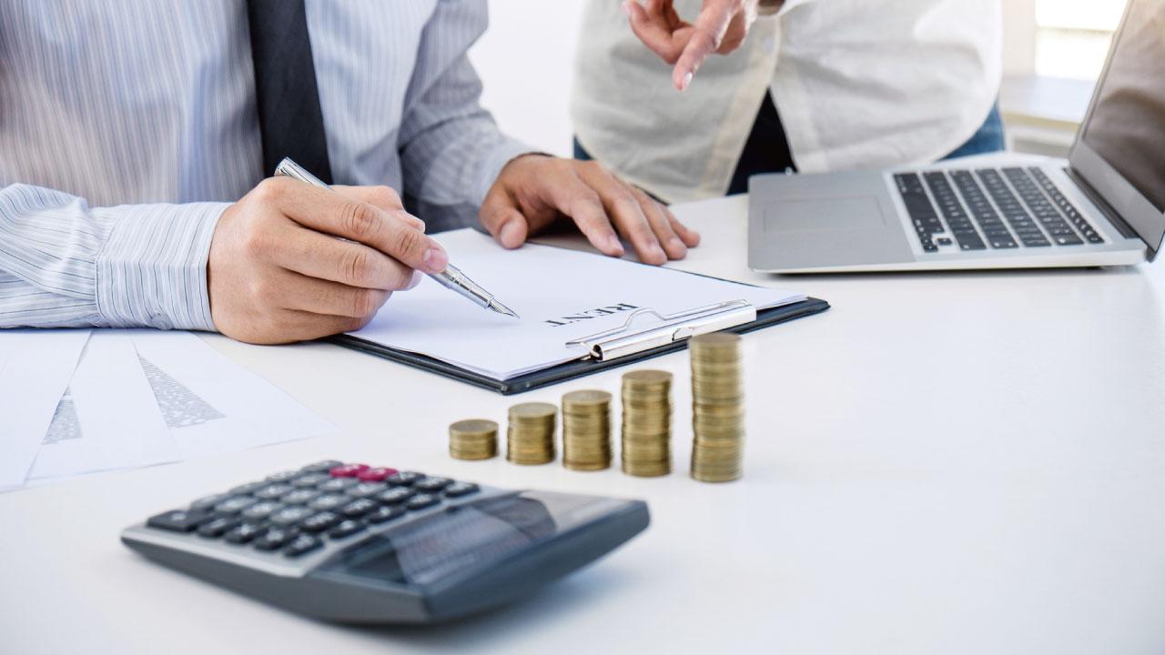 企業による寄付金の支出…損金算入できる金額は?