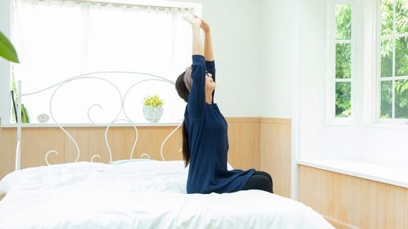 「入浴よりシャワー?」質の良い睡眠のポイントを医師が解説