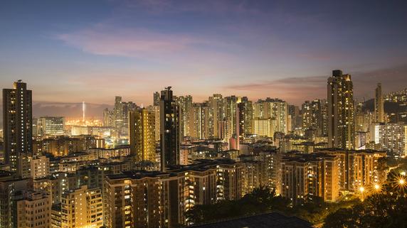 人民元の台頭で白熱化 香港ドルの為替相場制度の改正議論
