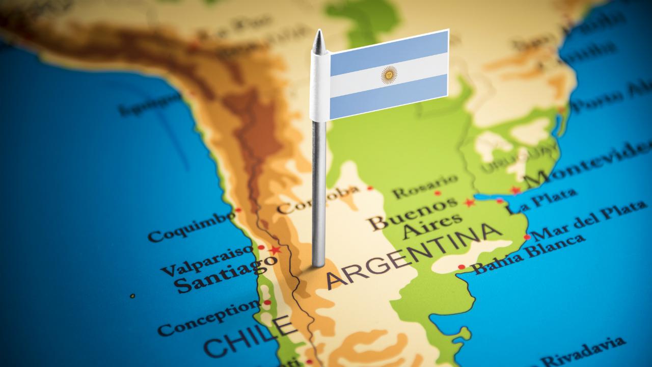 アルゼンチン格付け、B-からCCCへ…厳しさ増す債務返済状況