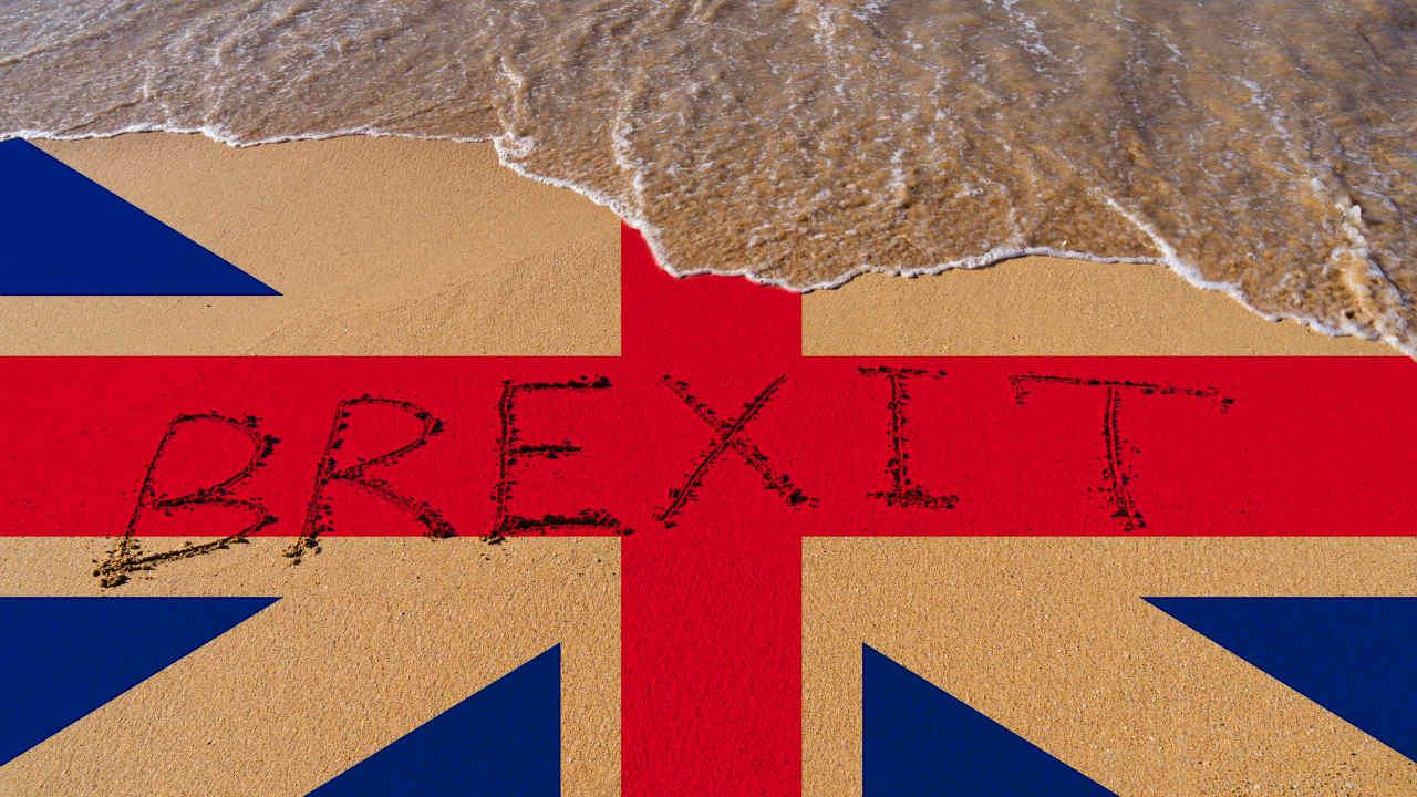 「ポンド売り」は続くのか?大混乱の英国、首相は苦しい状況に