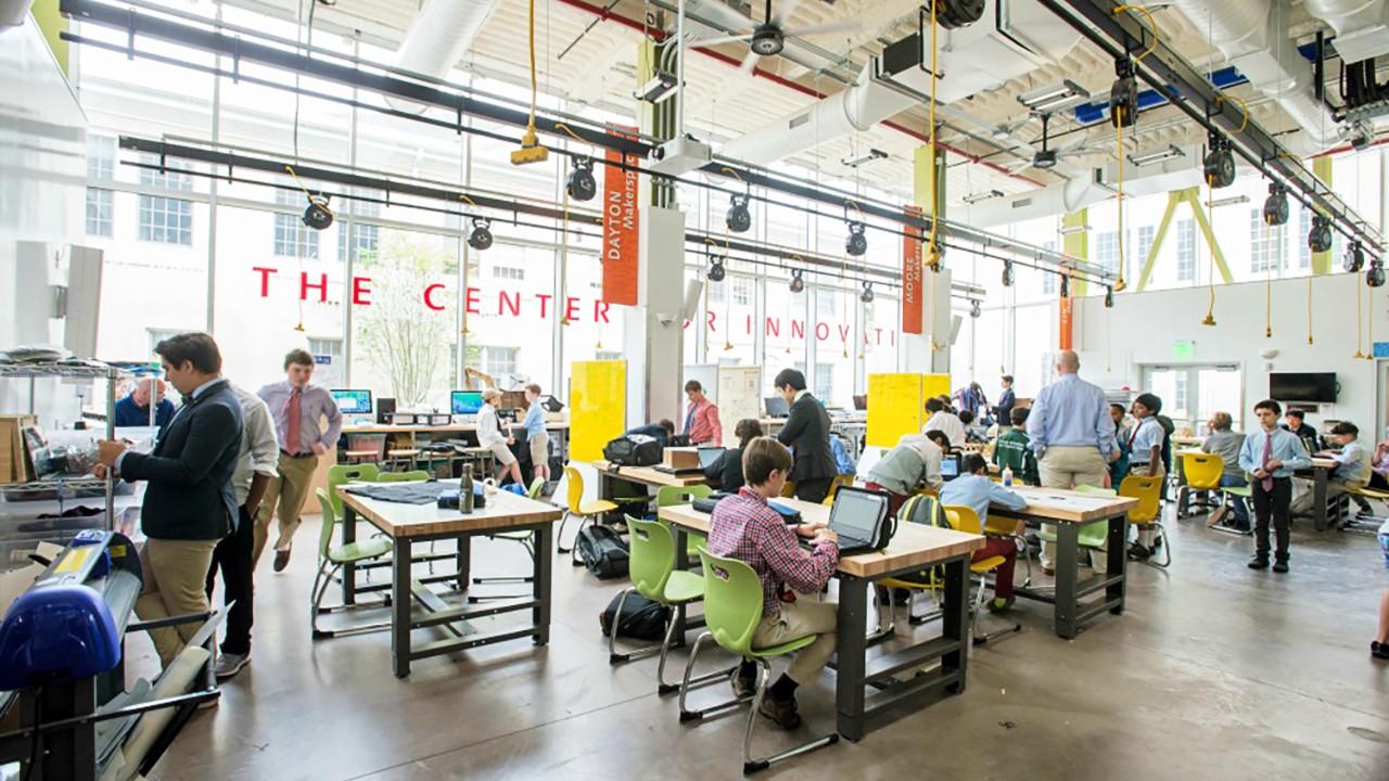 北米ボーディングスクールの「スゴイ」テクノロジー教育とは?