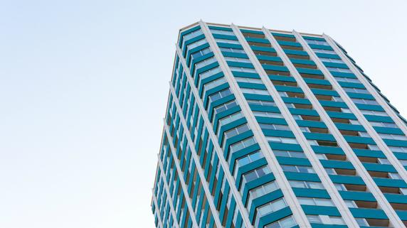 クラウドファンディングによる不動産投資は「大衆版リート」か